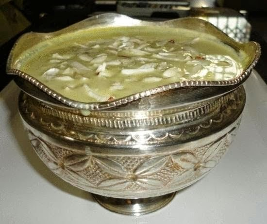 Phirni in a serving bowl