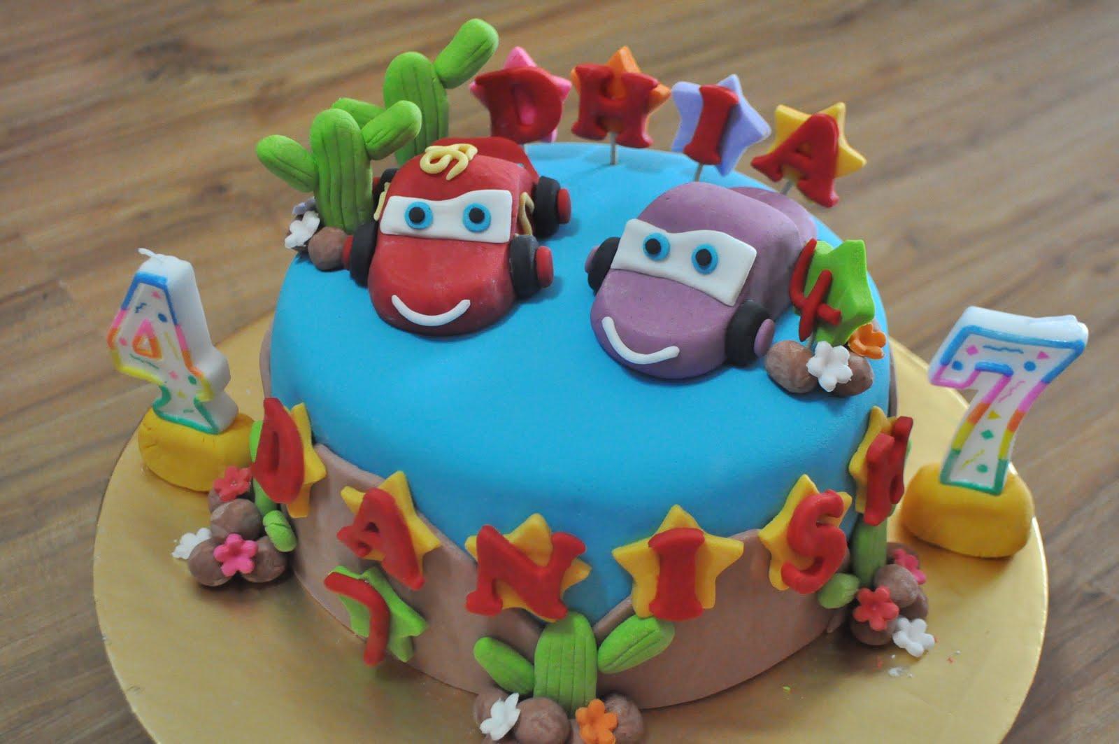 Dari Oven Yang Comel Cars Cake