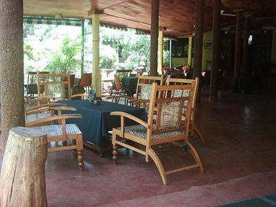 hotels polonnaruwa