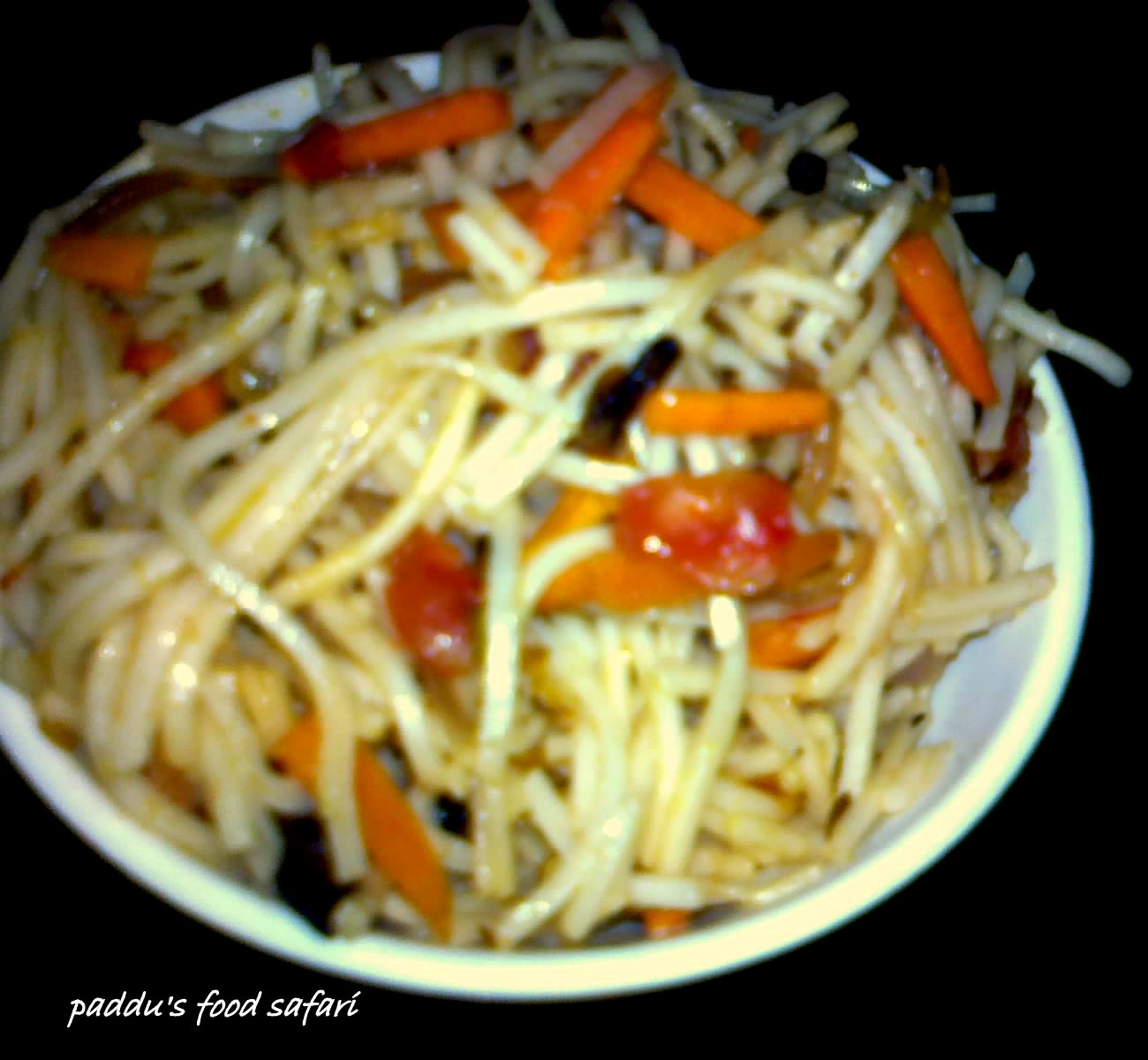 Noodles Masala Powder http://raikarsfoodsafari.blogspot.com/2011/12/noodles-1-pack-4-5-cloves-6-garlic.html
