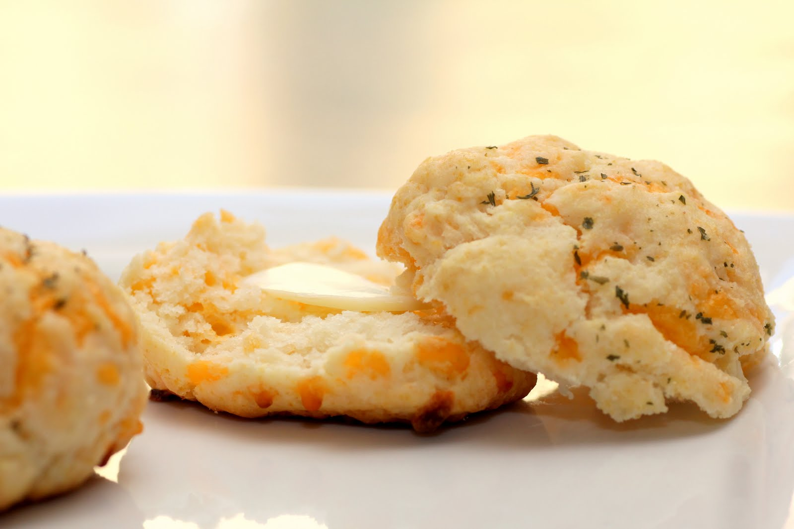 Fresh & Skinny: Cheddar Bay Biscuits
