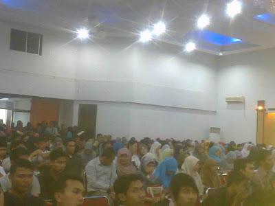 Kuliah umum tersebut mengundang pemateri dari Universiti Kebangsaan Malaysia yaitu Prof A. Nidzamuddin Sulaiman, Ph.D yang diadakan oleh Fakultas ISIP UNIMAL di Gedung ACC GOR unimal Cunda Lhokseumawe.