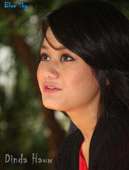 Foto Dinda Hauw - Artis Cantik Pendatang Baru Indonesia