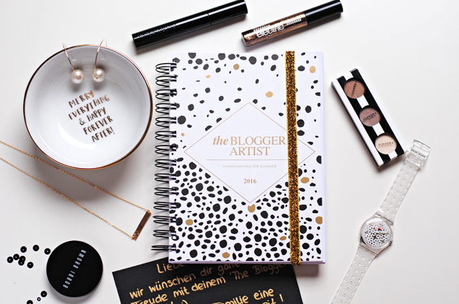The Blogger Artist blog planner agenda 2016