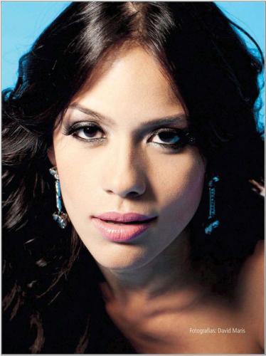 Fotos De La Hermosa Modelo Katherine Bautista Quien Aparece Posando