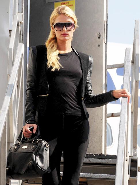 Paris Hilton hot in black outfit
