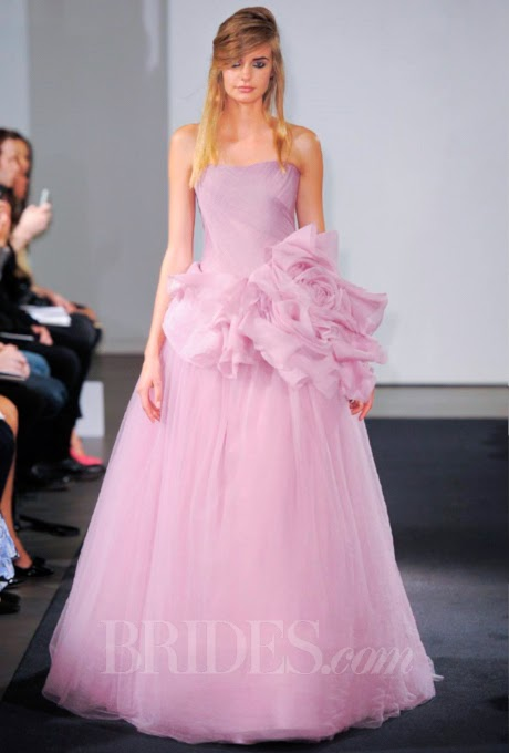 8 Lovely Wedding Dresses From The Vera Wang Fall 2014 Collection ...