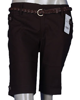 Model Celana Pendek Wanita Terbaru 2012