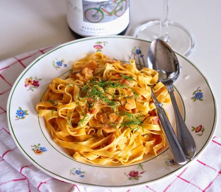 Italian ruokamuistoja: täyteläinen lohipasta