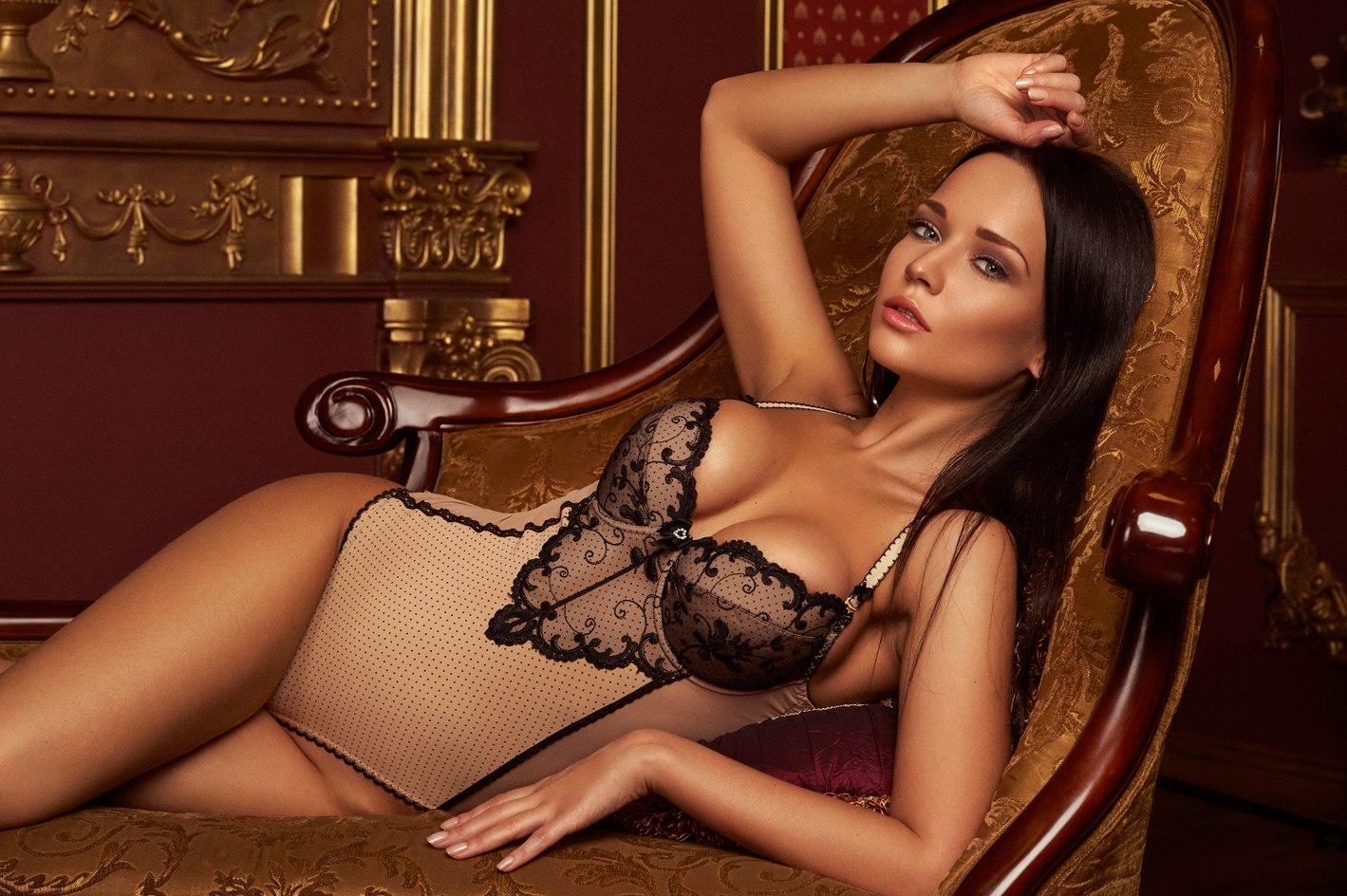 golie-devushki-modeli-comment