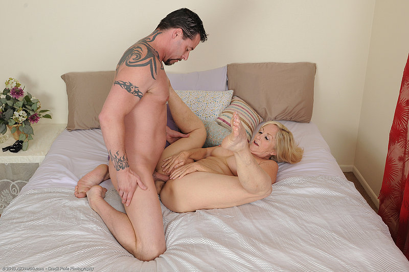 That Amateur mature mom son sex share