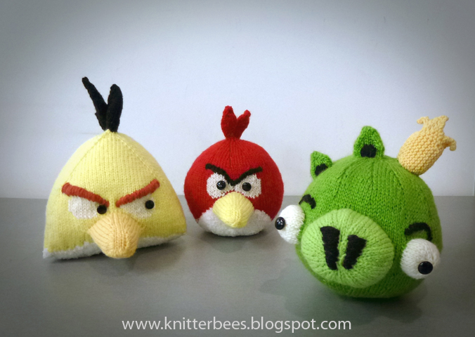 Knitted Childrens Slippers Free Pattern : knitterbees: Angry Birds Red, Yellow Bird and Green Pig plush toy