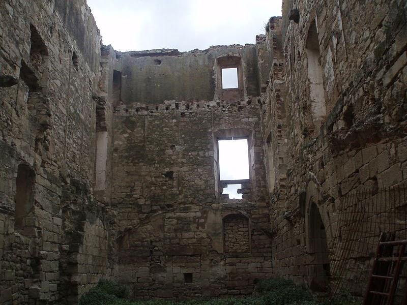 Pueblos fantasmas en catalunya fortaleza de mald mald for Malda lleida
