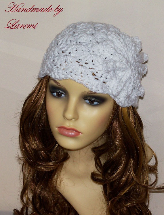 Crochet Womens Hat : Handmade Laremi: Chunky white women hat / Crochet beanie with flower