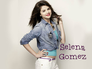 Selena Gomez in White Jeans