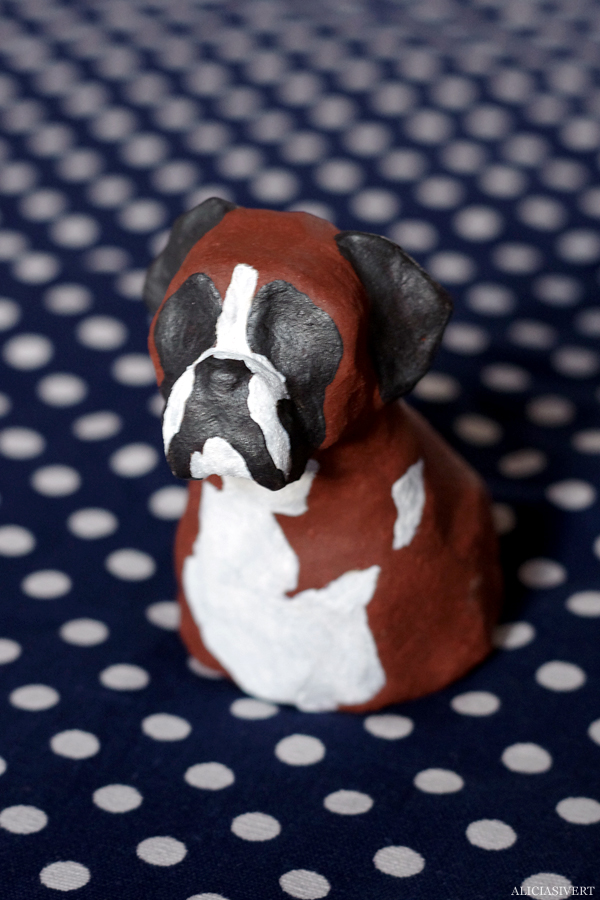 aliciasivert, alicia sivertsson, alicia sivert, boxer, dog, hund, Farina, lera, clay, sculpture, skulptur
