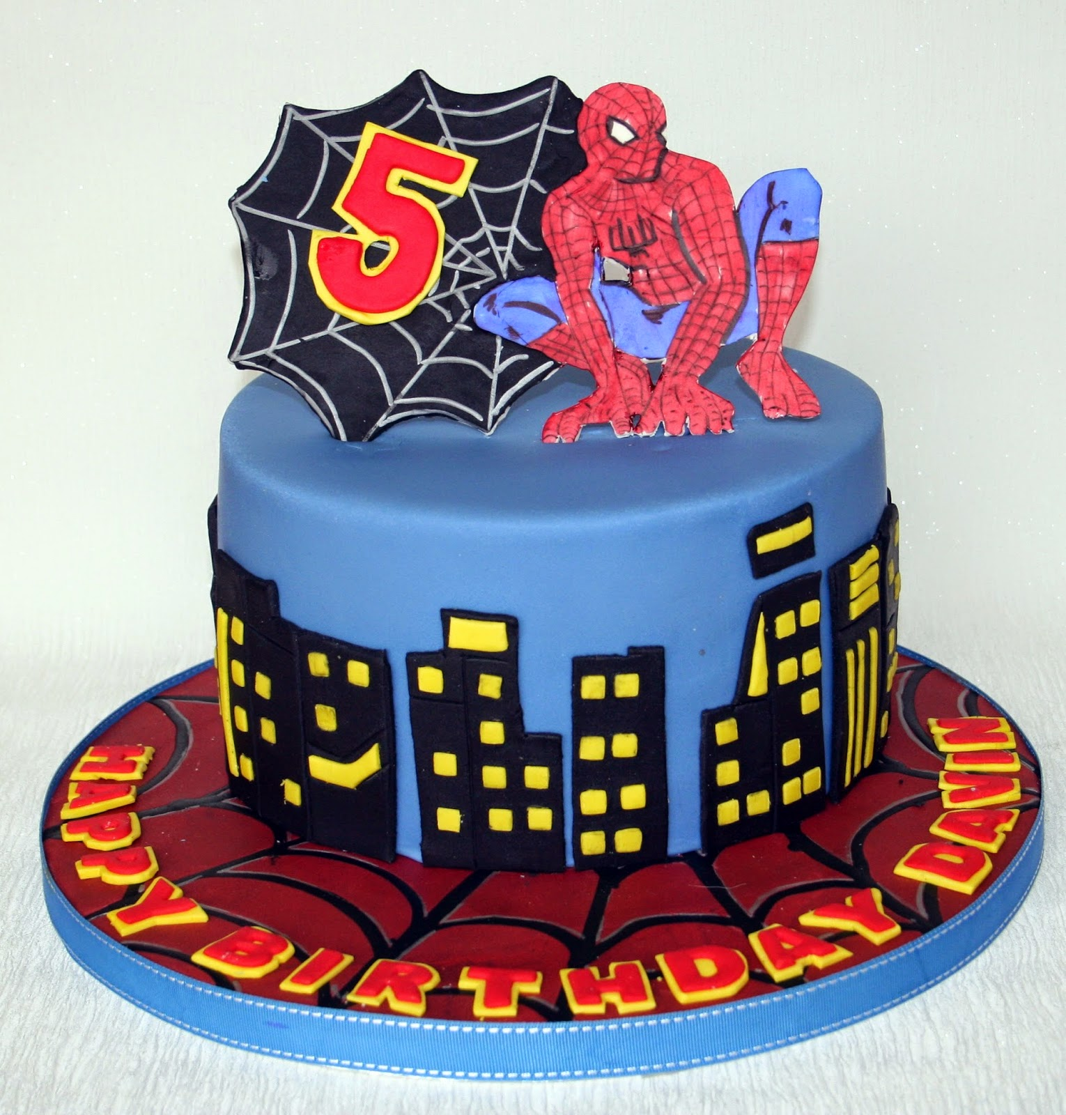 The Perfectionist Confectionist: Davin - Spiderman Birthday Cake