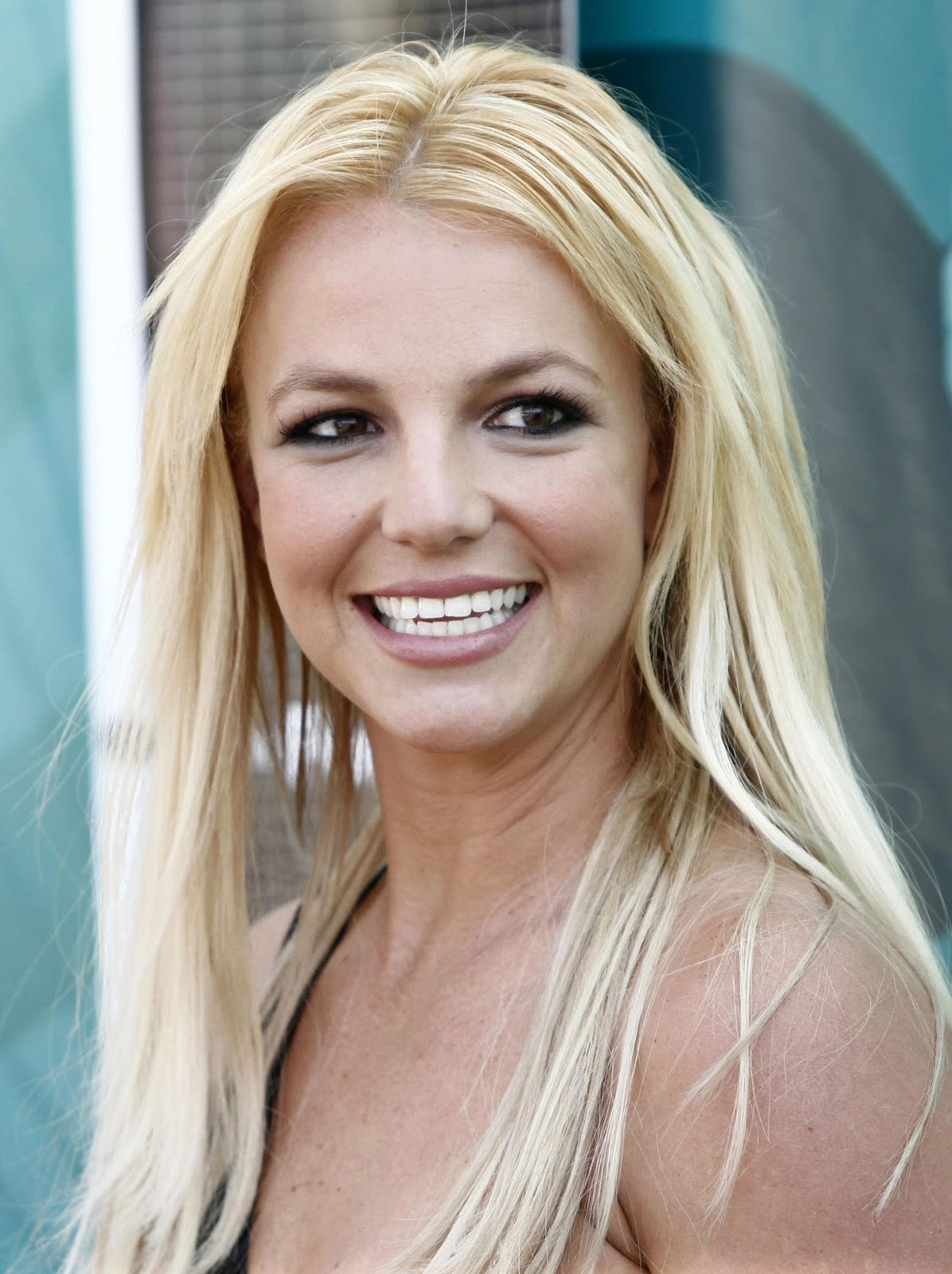 http://3.bp.blogspot.com/-pJ42NwB-s5I/Tp2uGS57LNI/AAAAAAAAAgk/4iGqQ8On5bY/s1600/britney+spears+2011+two.jpg