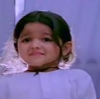 Actress Alia Bhatt Childhood Pic in Sangharsh Movie as a Child Artist