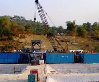 proses pengeboran sumur minyak di Indonesia