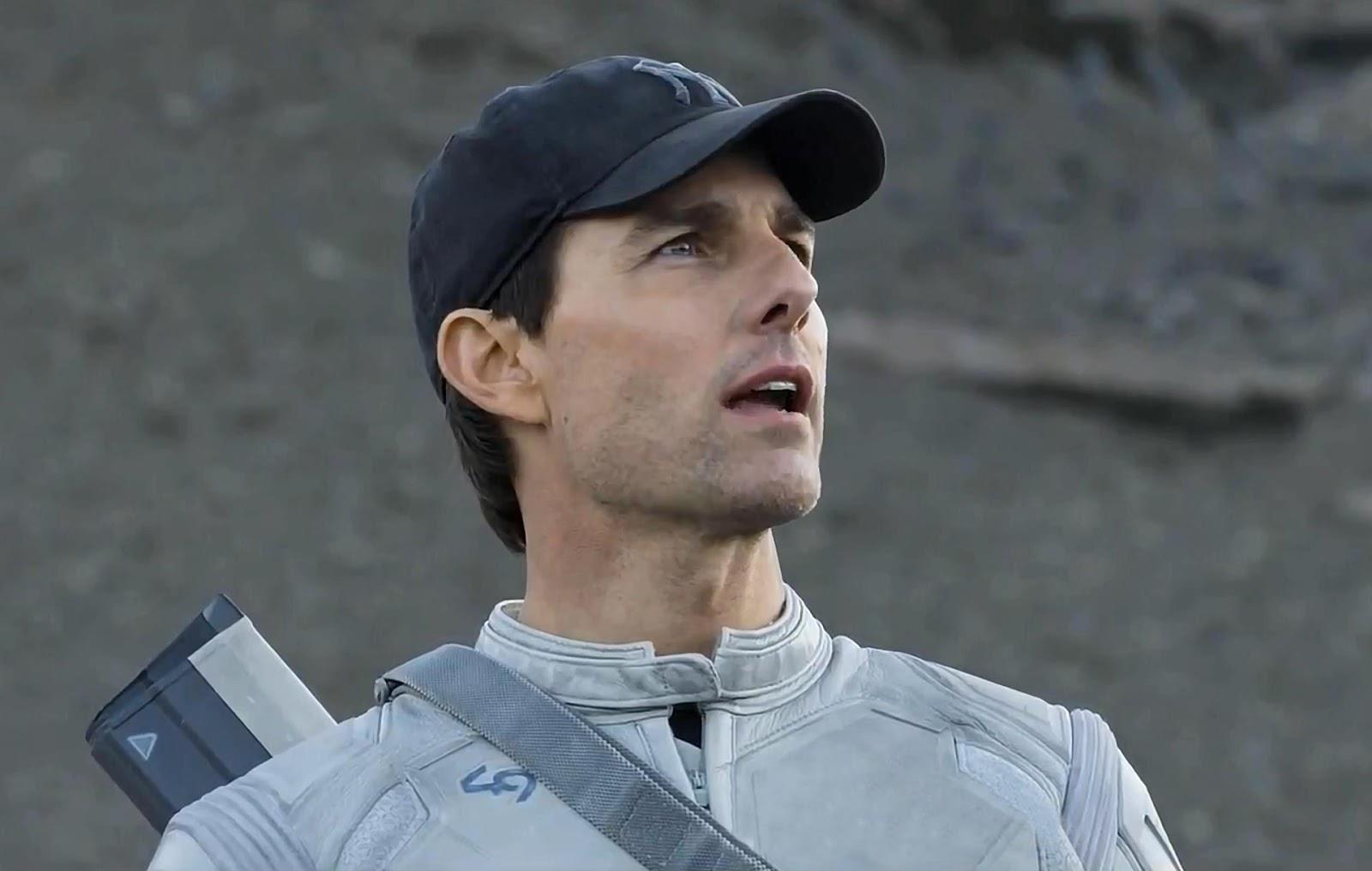 Tom cruise a falon maszik 338 - Tom Cruise And Tron Legacy Director Joseph Kosinski Teamed Up For Oblivion