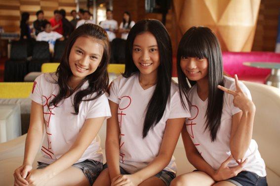 Melody JKT48 , Cleo JKT48 dan Stella JKT48