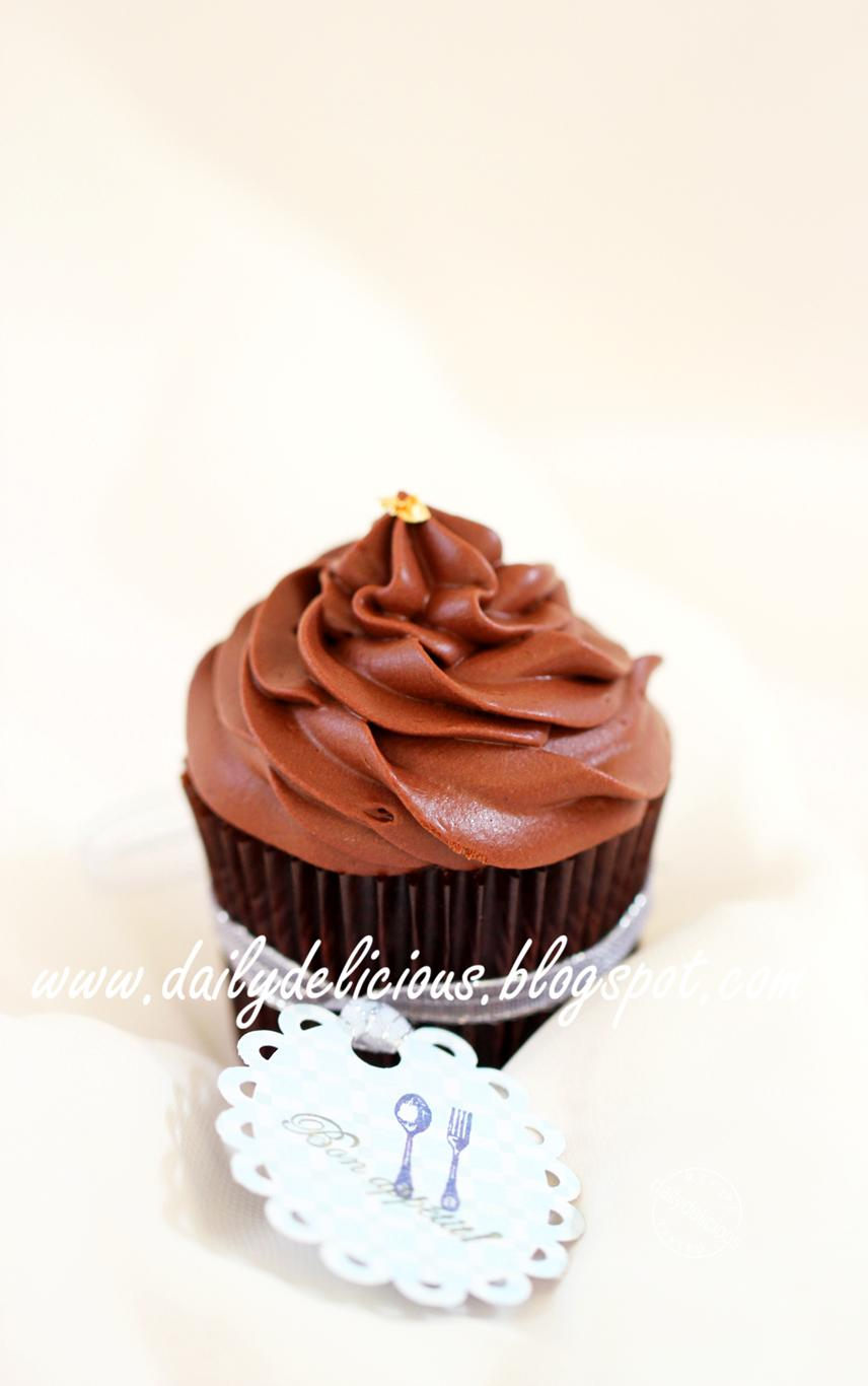 dailydelicious: Sachertorte Cup cake: Chocolate chocolate in a cup