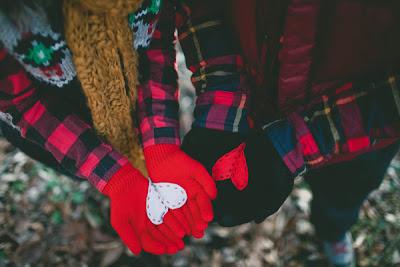 http://www.machemag.com/2698/heart-in-hand-gloves/