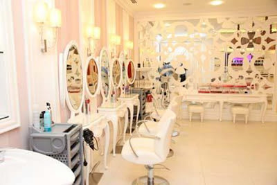 World's First Hello Kitty Spa In Dubai - hair salon