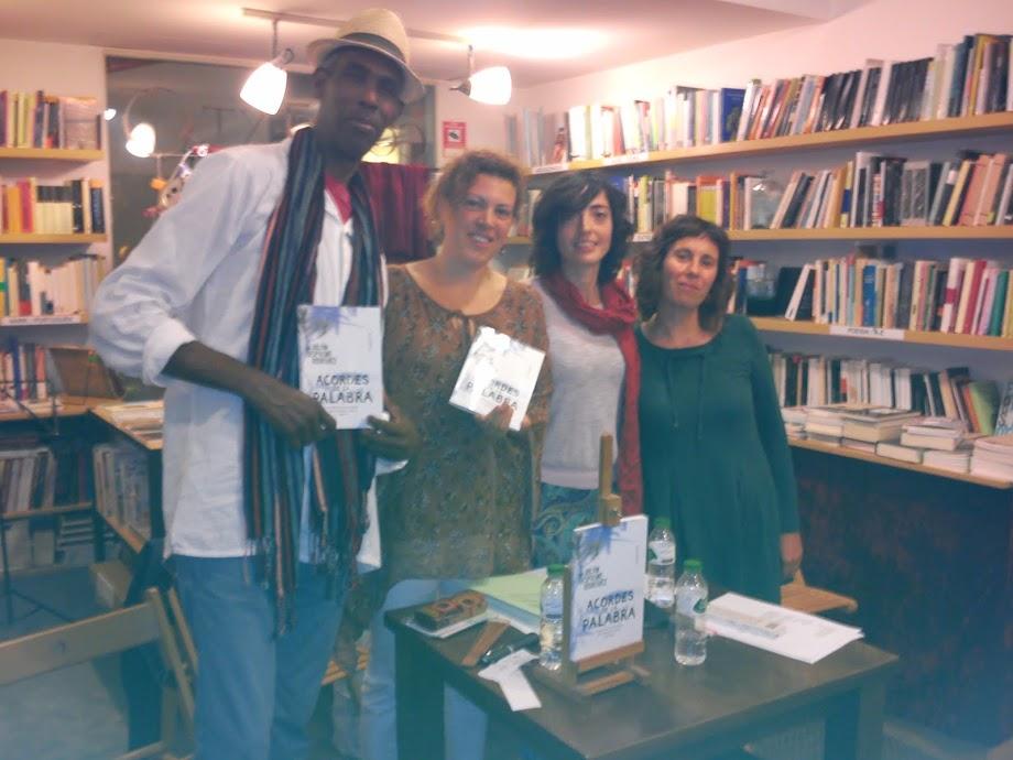 Presentación del libro Acordes de la palabra en el Cafe Context Libreria de Girona