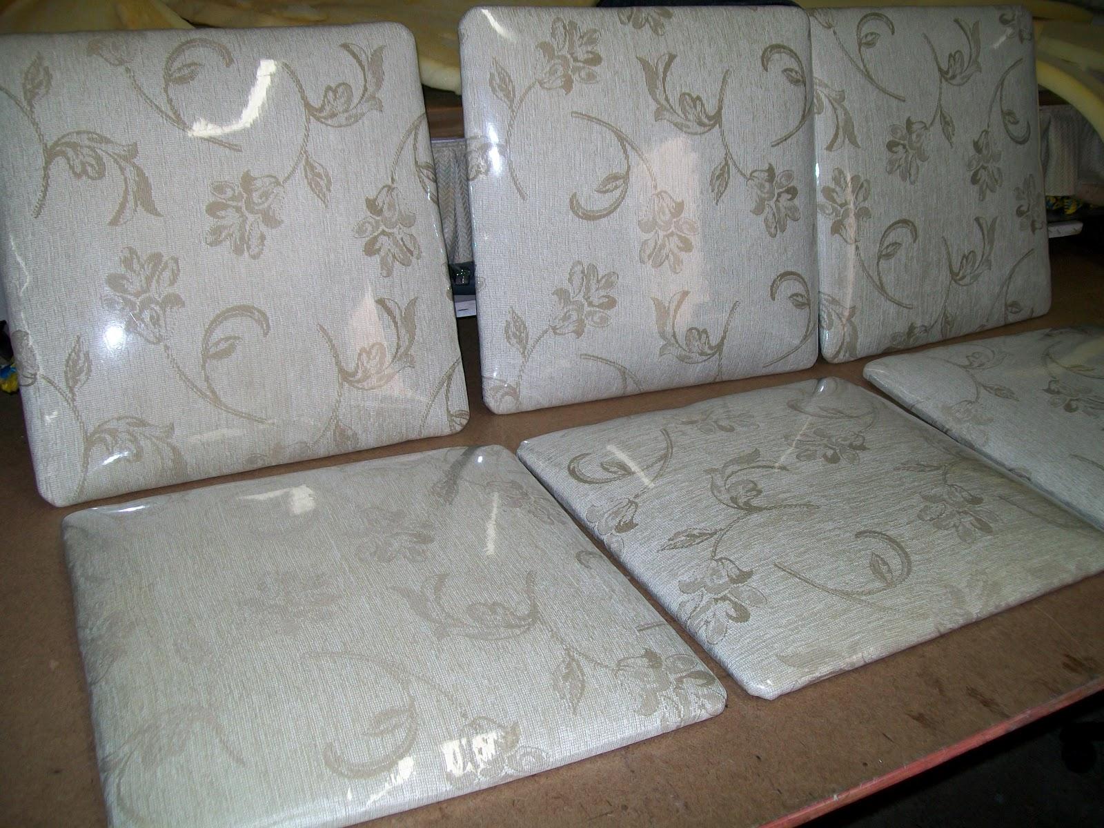 de tecido em cadeira colonial e troca de tecido com plastificação de  #604C39 1600x1200
