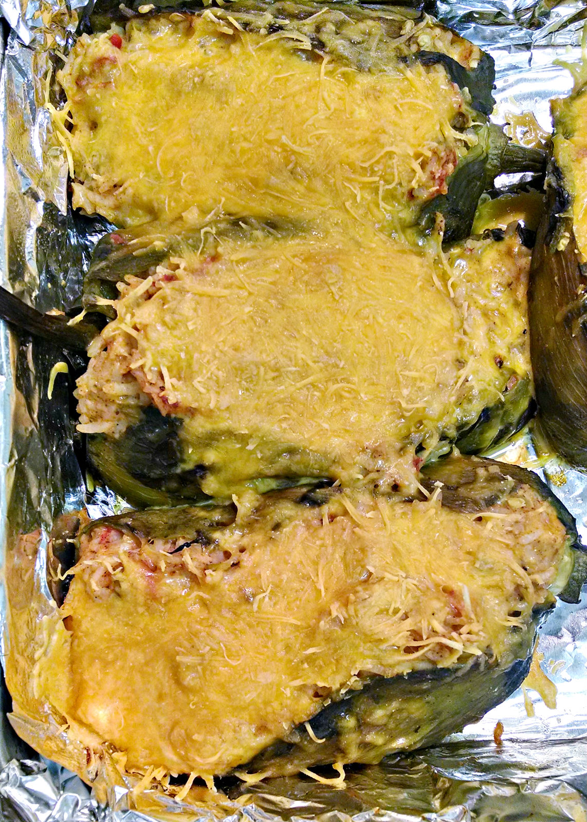 A Kitchen Hoor | #MeatlessMonday Rice and Cheese Chiles Rellenos @flowerfroggirl