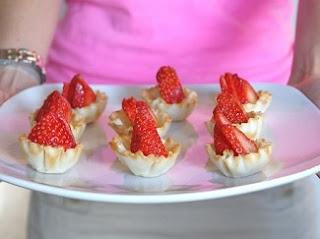 http://www.krisztinawilliams.com/2013/07/entertaining-simple-summer-dinner-party.html