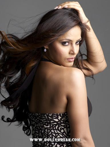 Neetu Chandra Backless - Neetu Chandra Hot PhotoShoot Pics - Latest