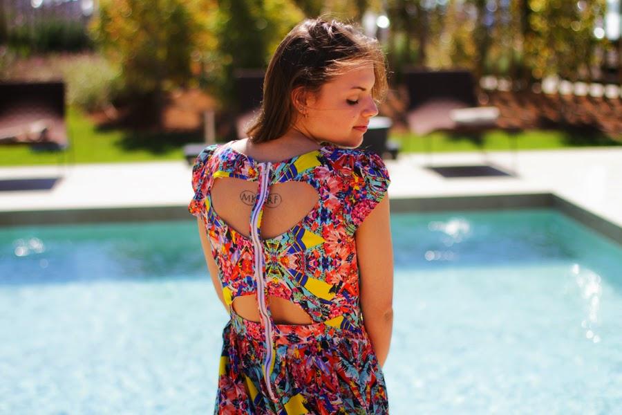 cut out dress detail spanien sommer