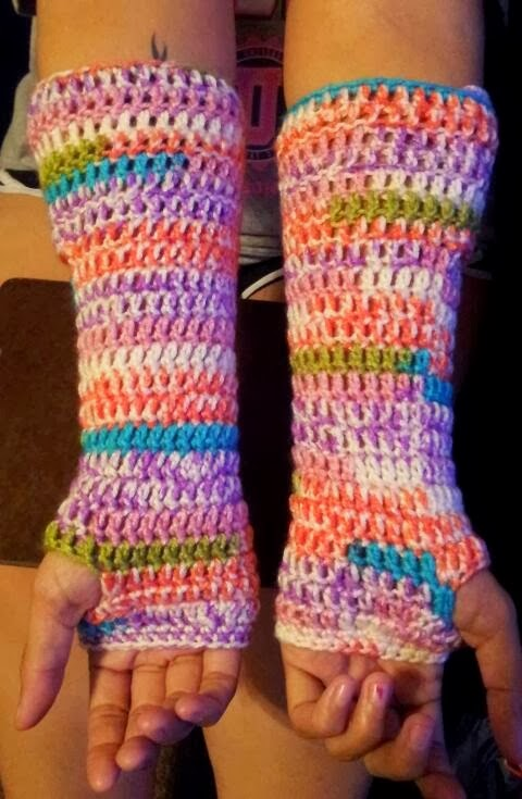 New Free Pattern Crochet Button Up Arm Warmers Quartered Heart