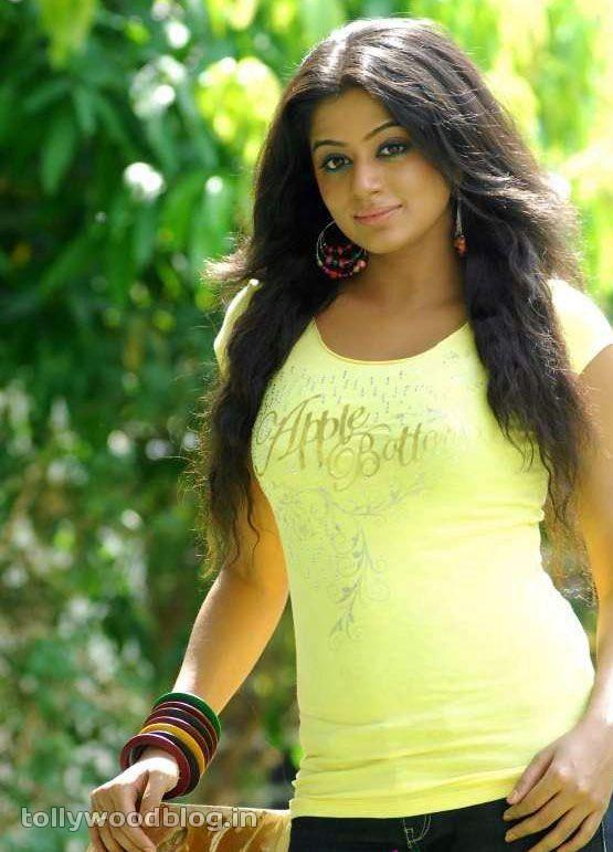 Priyamani Latest Photos In Yellow TShirt hot images