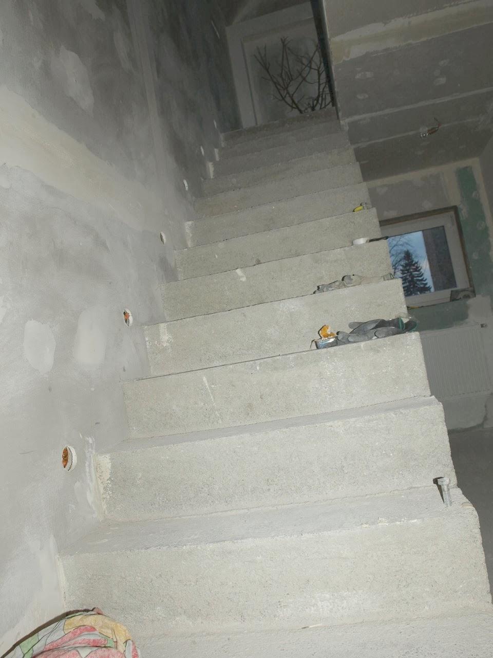 remont starego domu schody betonowe wylewka szalunek murator