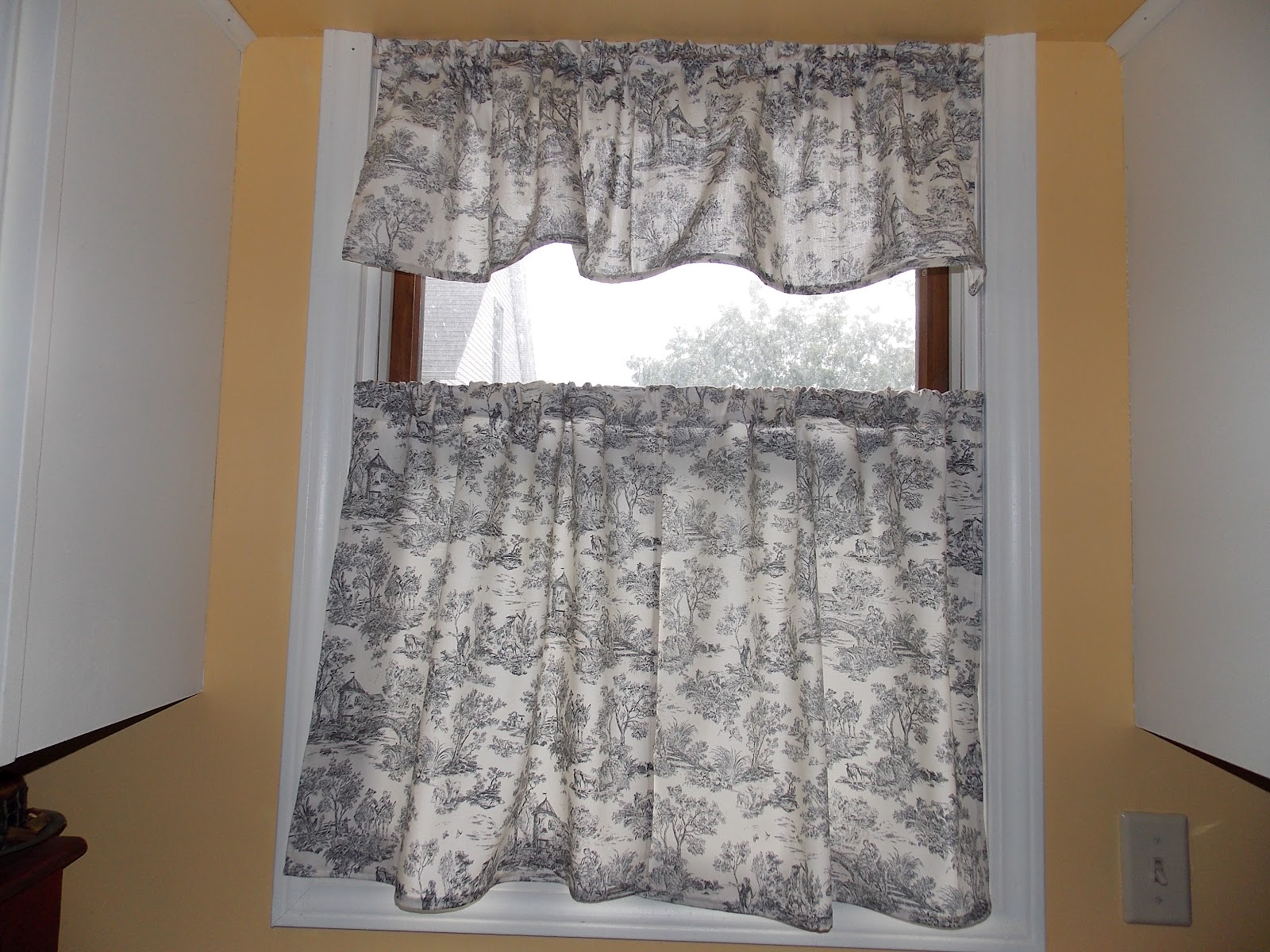 Kitchen Cafe Curtains Our Eclectic Life Pretty Quick Sew Yourself Kitchen Cafe Curtains