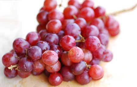 8 Buah-Buahan dengan Kandungan Antioksidan Terbanyak di Dunia: Anggur Merah