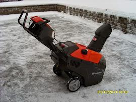 Lumitöissä järjenkäyttö sallittua oltiin sitten katolla tai pihalumia siirtämässä. Huolellisuutta