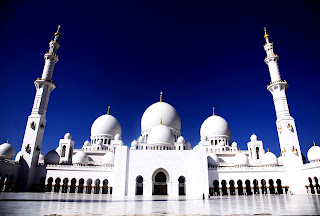 Abu Dhabi Grand Mosque HD Wallpaper