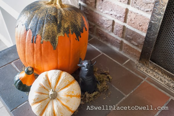 Pumpkin Mantel at ASwellPlacetoDwell.com  #pumpkin #halloween