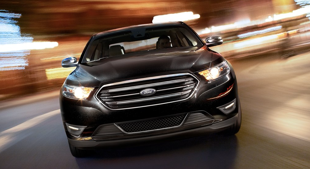 2013 Ford Taurus black