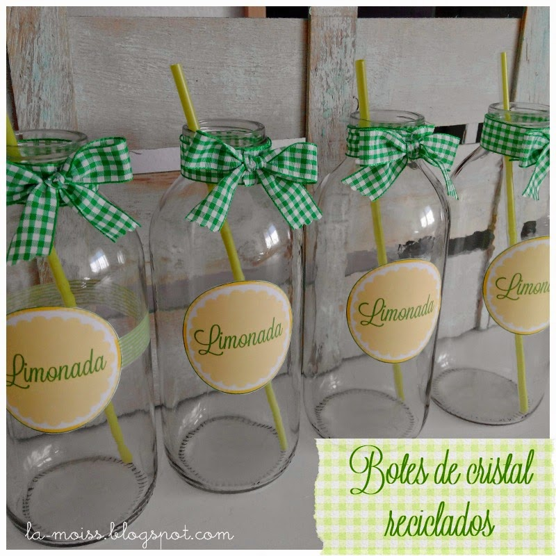 Botes para limonada reciclados