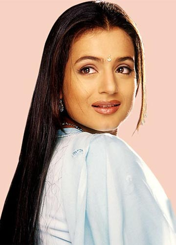 Amisha patel hot and naked and nude wallpapers