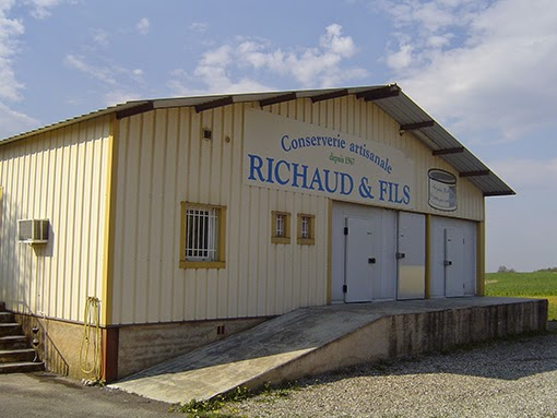 le magasin d'usine de la conserverie Richaud