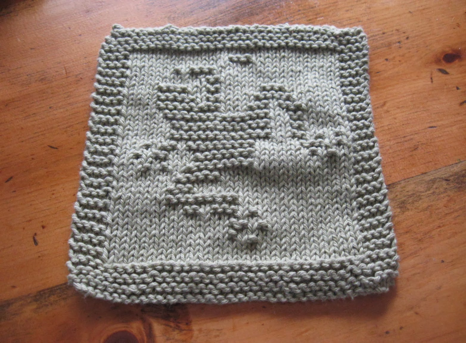The Country Blossom: Waiting for Spring: Knitting