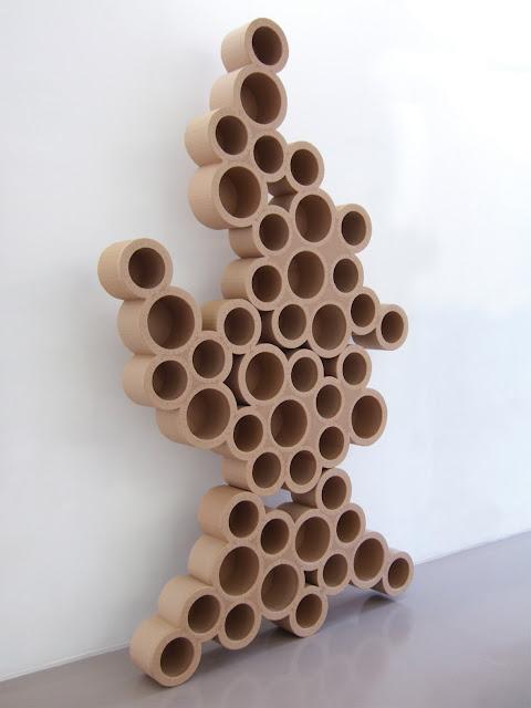 étagère en carton. meuble en carton rangement pour crèche. création sur mesure. fabriqué à marseille par juliadesign.