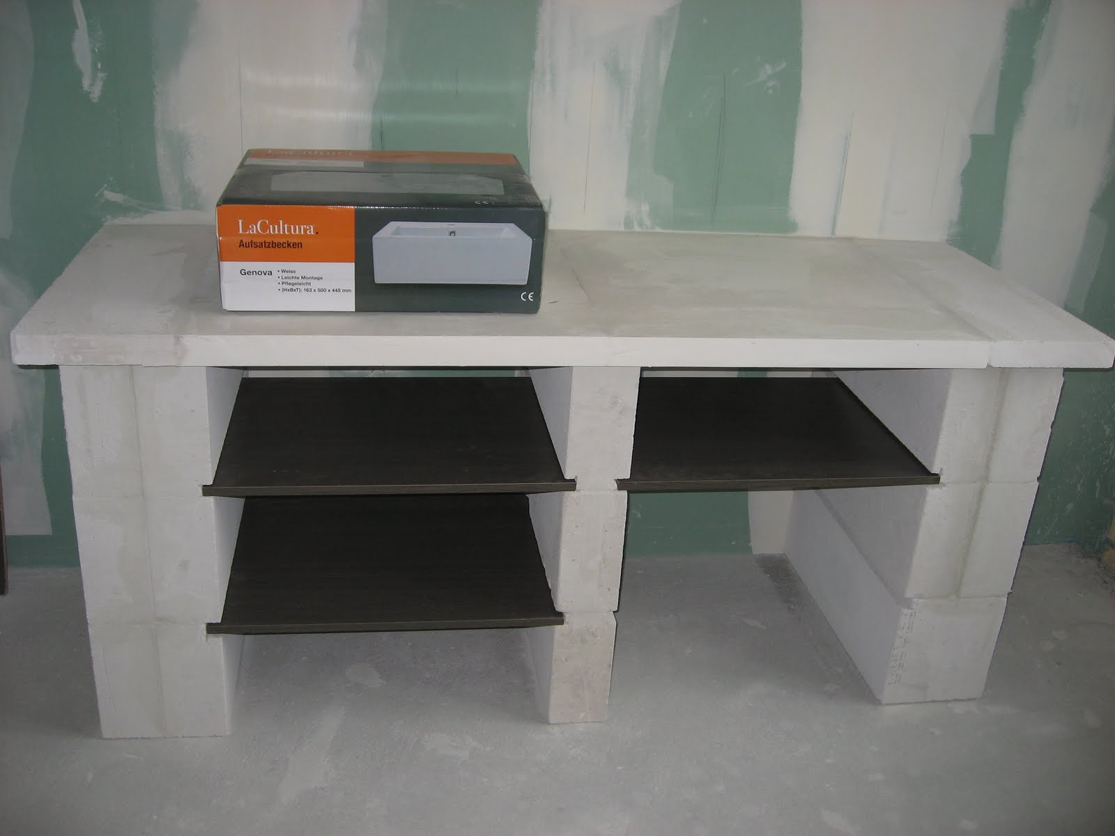 c 39 est comme a status quo. Black Bedroom Furniture Sets. Home Design Ideas